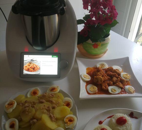 Thermomix® Lomo de Cerdo con tomate .patatas y huevos .
