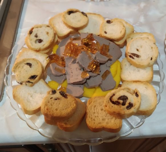 Paté con gelatina de moscatel