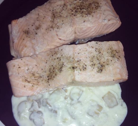 Salmón con salsa de champiñones en Thermomix®